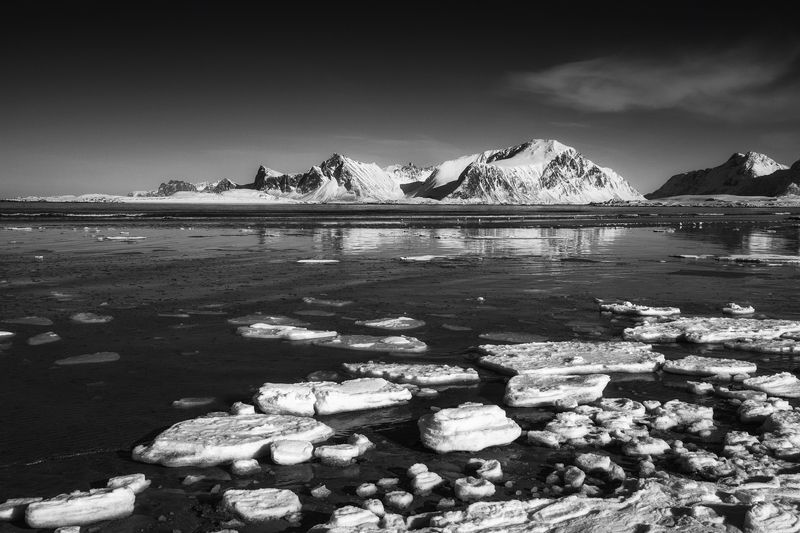 black and white Norwayphoto preview