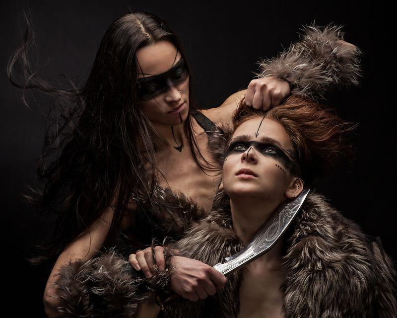 тира, warhammer, fb, нож, девушка, шкура Тира, Госпожа мародёров Хаоса Неделимого (Warhammer FB)photo preview