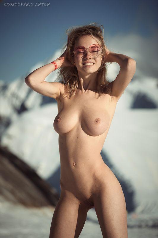 ню, Сочи, Горы, красотка, Задорно в горахphoto preview
