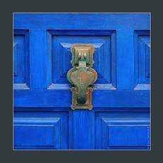 стучалка. дверь. Кадакес 2018