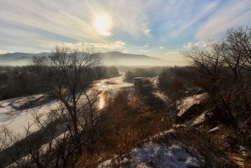 приморье, река партизанская, зима, утро, рассвет, старая водокачка солнечное утроphoto preview
