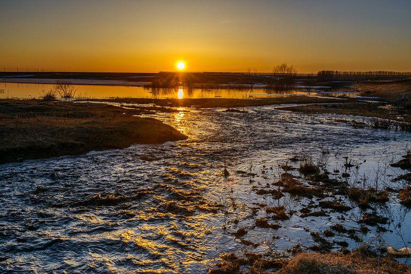весна, апрель, река Половодье...photo preview