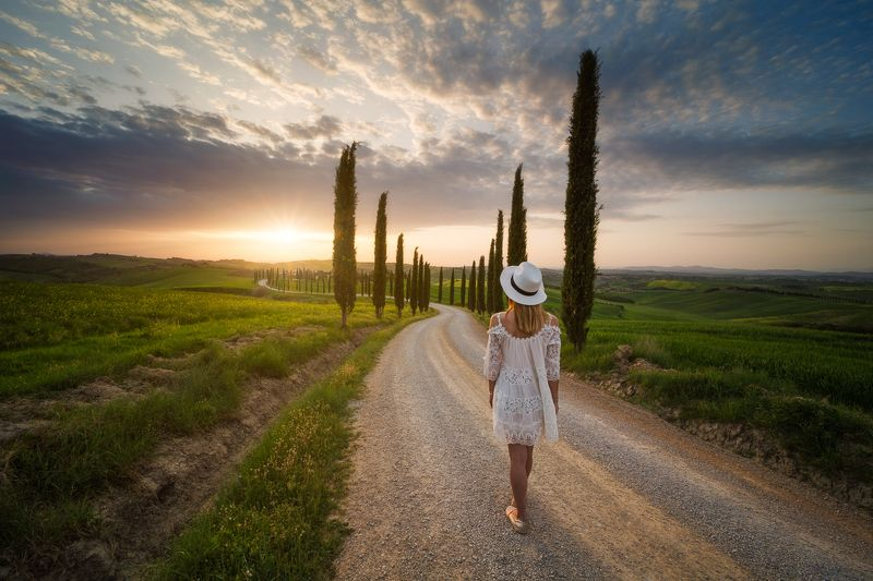 Tuscan Girlphoto preview