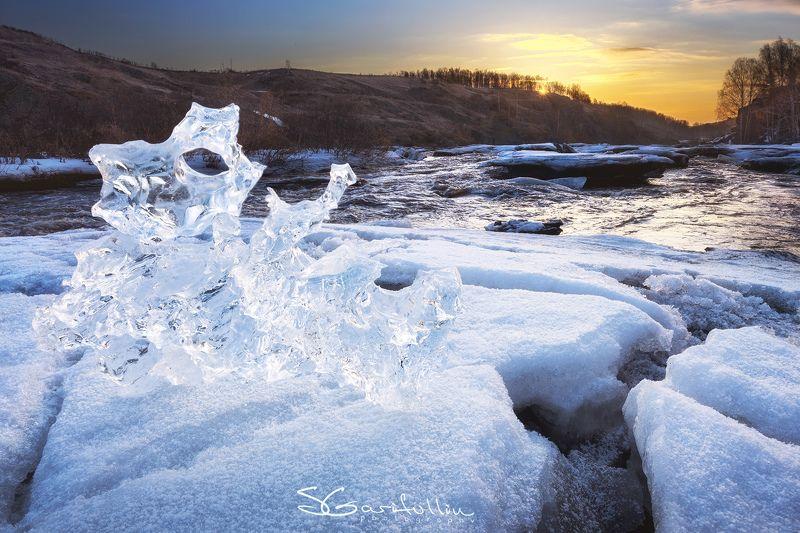 Урал, Средний Урал, Исеть, река, Ревун, льдина, лед, лёд Уральская медуза.photo preview