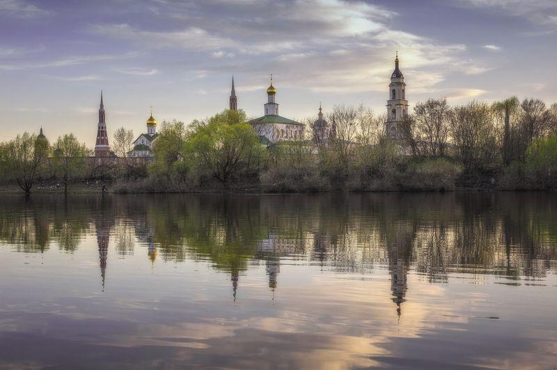 монастырь,вера,весна,закат,река,небо,православие, россия Старо-Голутвин мужской монастырьphoto preview