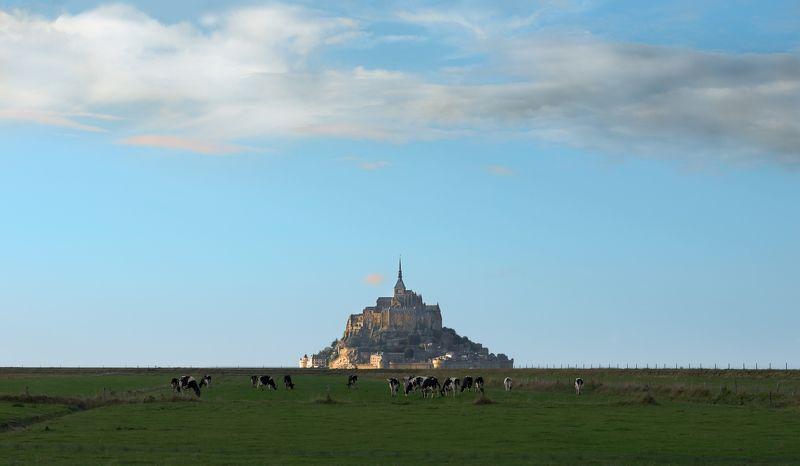 le mont-saint-michel,  mount st. michael Le Mont-Saint-Michel,  Mount St. Michaelphoto preview