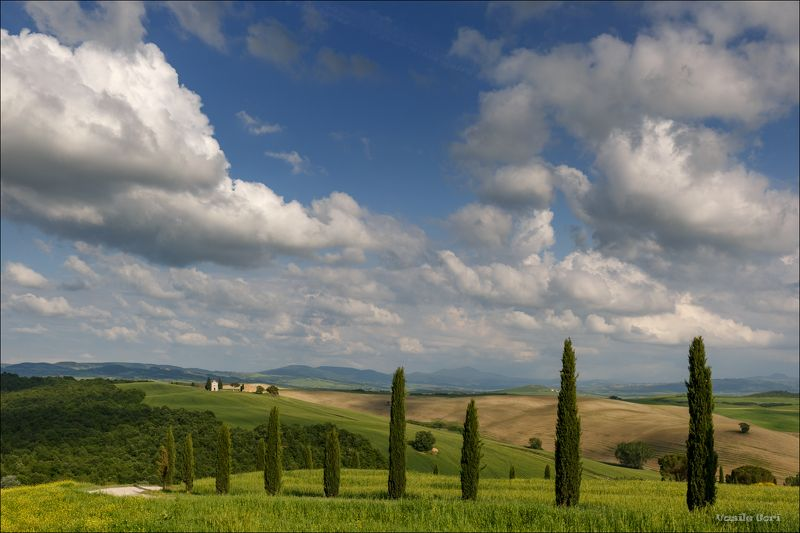 italy,san quirico d\'orcia,italia,cappella,италия,madonna di vitaleta,тоскана,облака,toscana,весна,tuscany,cipressi. Мимо проплывают облака...photo preview