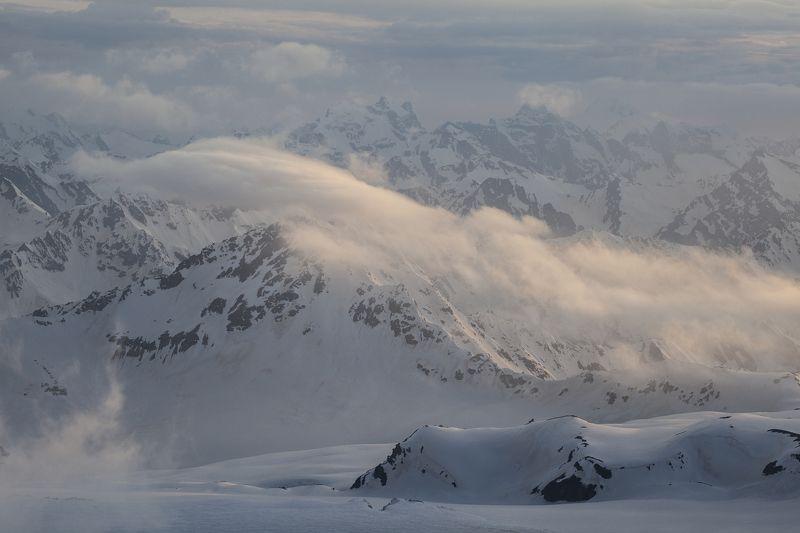 пейзаж, природа, горы, кавказ, красиво, вечер Укрываясь на закате дня...photo preview