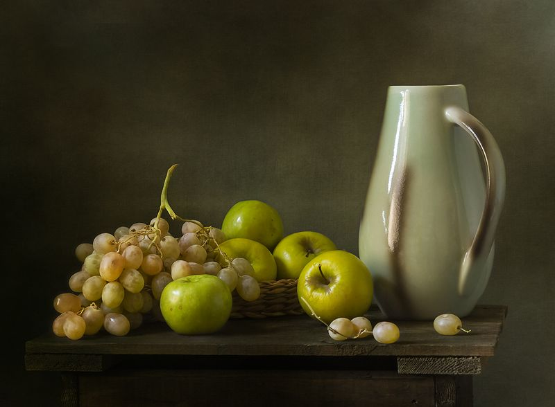 натюрморт, яблоки, фрукты, still life О яблоках и виноградеphoto preview