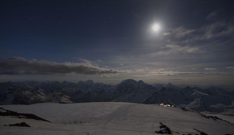 горы эльбрус пейзаж ночь красиво  Тихая ночь на Эльбрусе photo preview