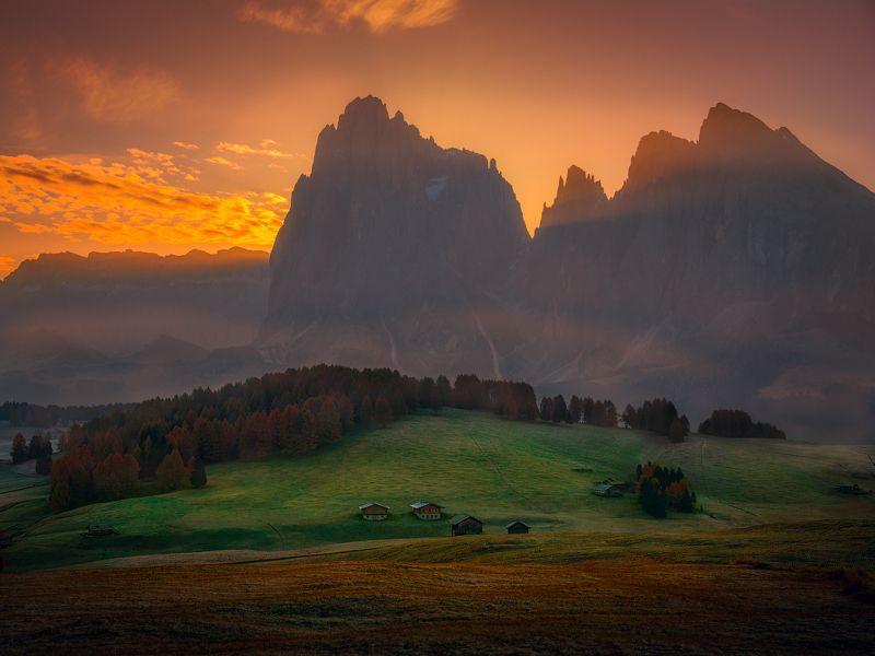 Италия, доломиты, горы, утро, рассвет Скрытое солнцеphoto preview