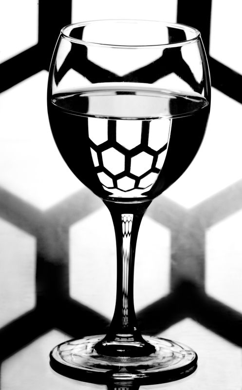 бокал, черно-белое, соты photo preview