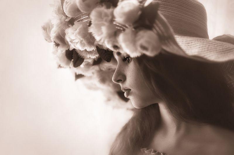 портрет, девочка, цветы, шляпа,модель Нежная Ольгаphoto preview