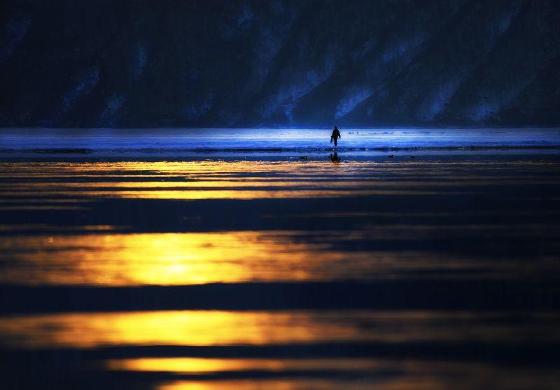 байкал, весна, закат, льды Закатный свет Байкалаphoto preview