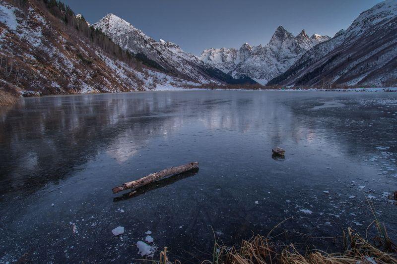 гора, пик, вершина, озеро, лёд,зима,мороз , ночь, ночная съёмка, длинная выдержка, звёзды, облака, северный кавказ, карачаево-черкесия, ТУМАНЛЫ КЁЛЬ ПОДО ЛЬДОМphoto preview