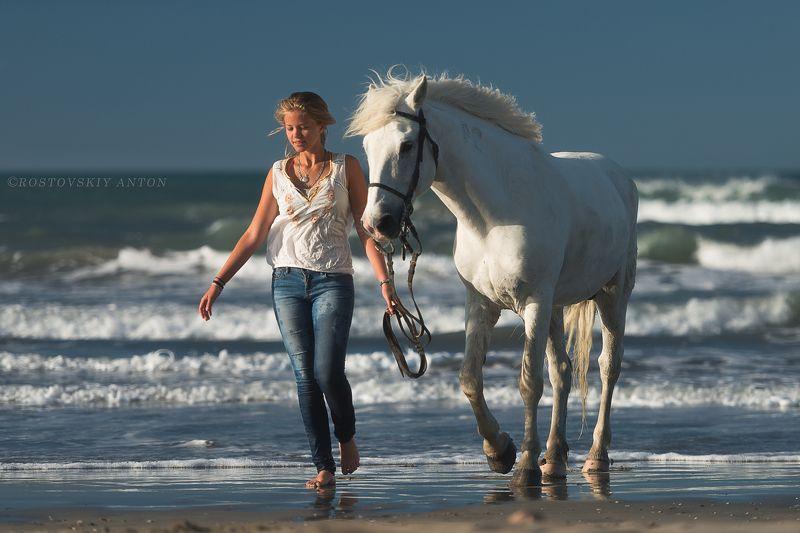 Камарг, Франция, девушка, конь, море, восход, утро,  фототур в Камаргphoto preview