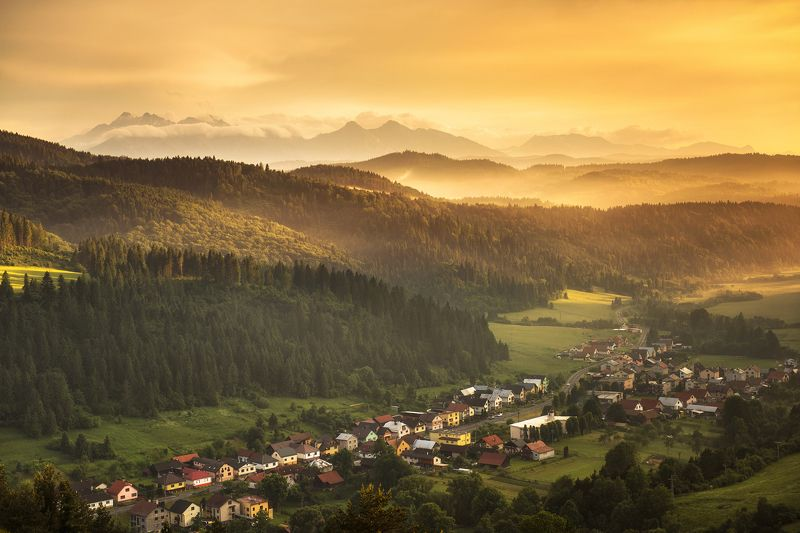 mountains, poland, slovakia, tatry, pieniny, light, sunset, sun, light, landscape, hills, warm, colors, spring, Floodphoto preview