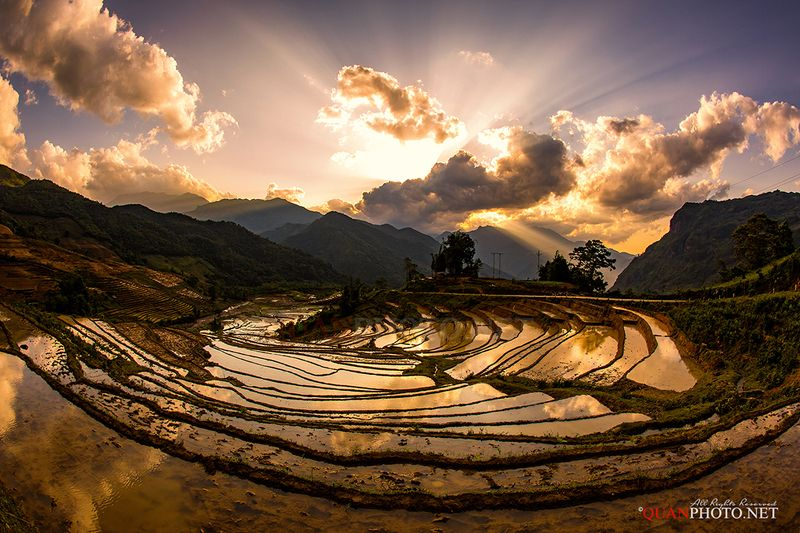 quanphoto, landscape, sunset, sundown, twilight, mountains, rays, sunlight, valley, farming, farmland, agriculture, reflections, watering, highland, vietnam Watering Season in Sunsetphoto preview