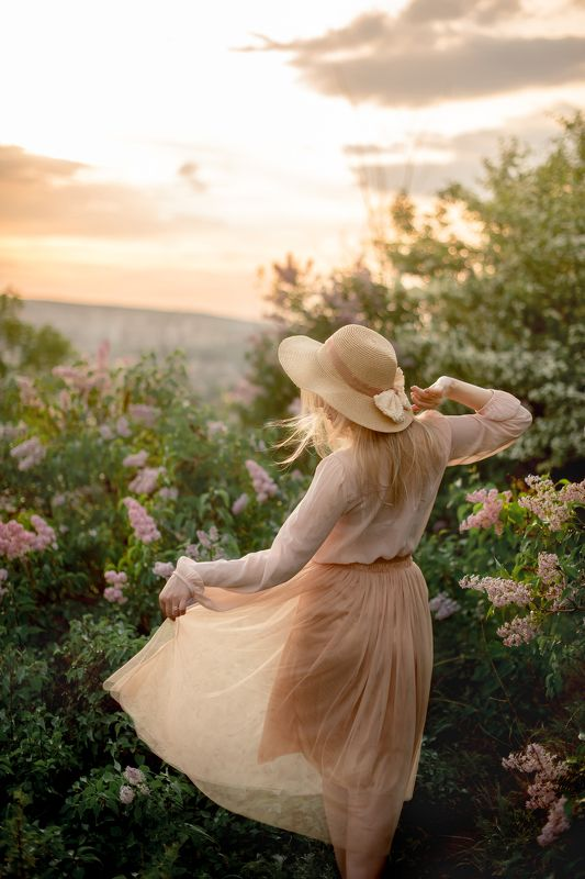девушка, портрет, лето, май, солнце, В саду моем...photo preview