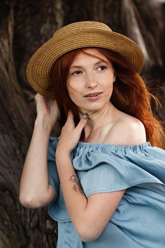 фото, портрет, девушка, шляпа, ветер Дарьяphoto preview