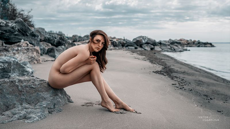 nude, portrait,model,beach,water,nu,color,face,wind,hair,look,nature,stones,mood, style * * *photo preview