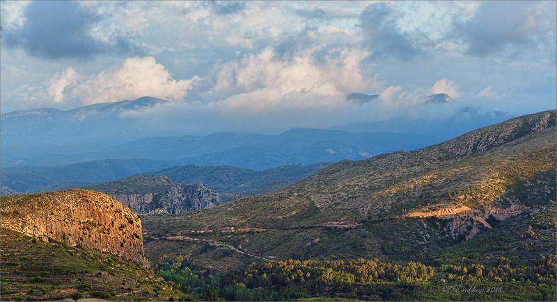 горы, закат, весна, облака, небо,пейзаж, лес Весенний закатphoto preview