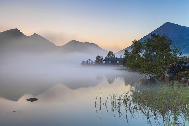 норвегия, закат, озеро Страна для интровертаphoto preview