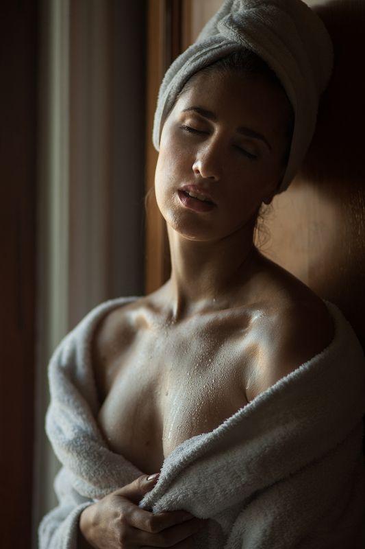 девушка, после ванны photo preview