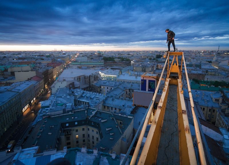 Руфер, крыша, Санкт-Петербург, Питер, портрет, город, рассвет Над Питеромphoto preview