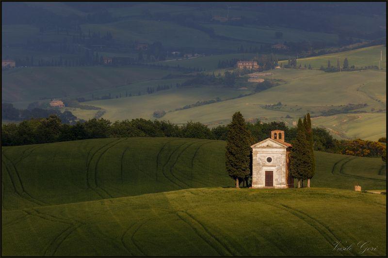 italy,san quirico d\\\'orcia,italia,свет,часовня,италия,тоскана,кипарисы,toscana,весна,tuscany,cipressi. Madonna di Vitaletaphoto preview