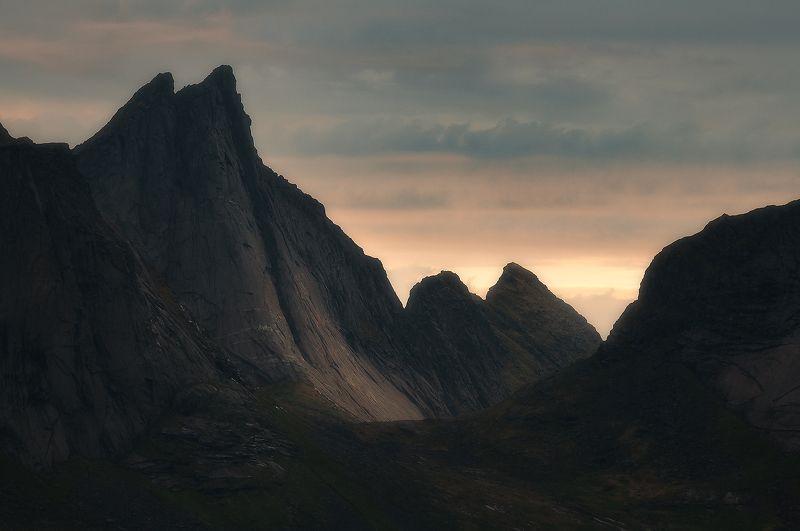 lofotenislands, lofoten, reine, sunset The Towerphoto preview