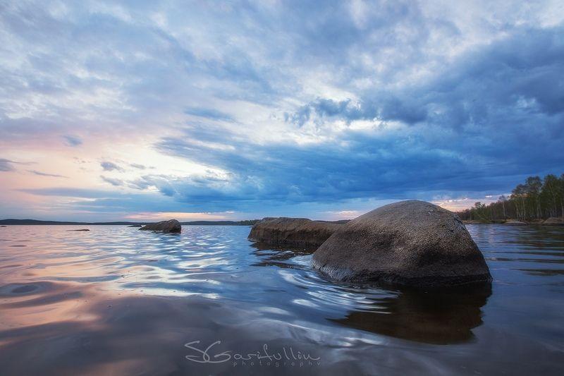 урал, средний урал, вода, озеро, пруд, екатеринбург, валун, валуны Вода и воздух точит камень.photo preview