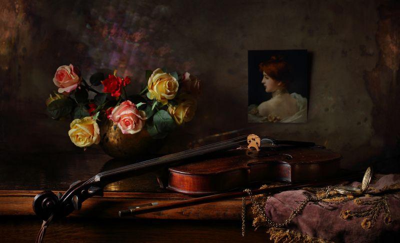 розы, цветы, скрипка, музыка, девушка, портрет, фото Натюрморт с розами и скрипкойphoto preview