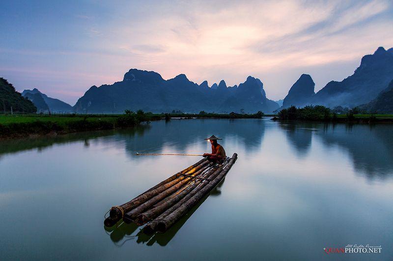 quanphoto, sunset, sundown, long_exposure, mountains, river, fisherman, fishing, reflections, people, vietnam Fishingphoto preview