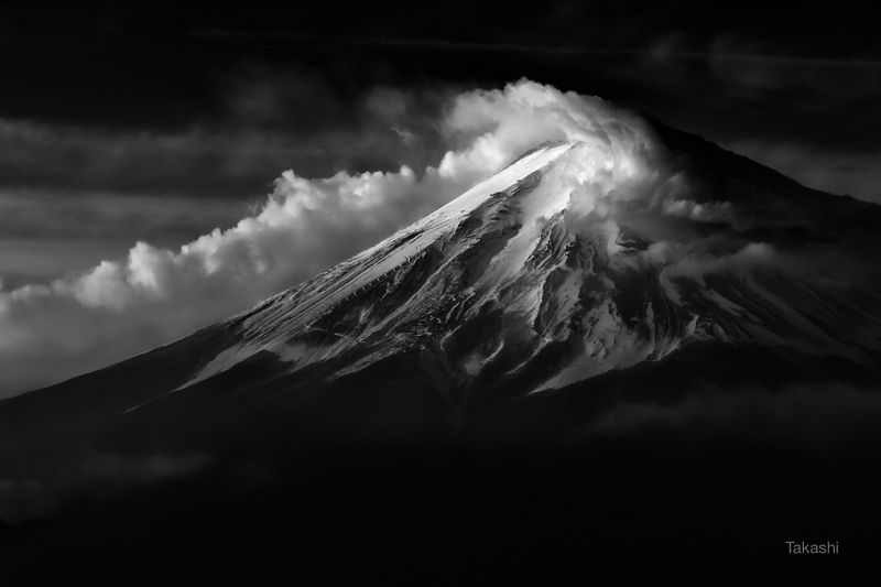 Fuji,Japan,mountain,cloud,snow,amazing,dramatic,black and white Actor appearedphoto preview