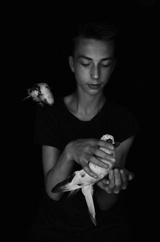 Wiktor with birdsphoto preview
