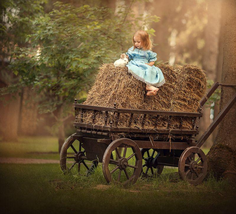 Маленькая крестьяночкаphoto preview