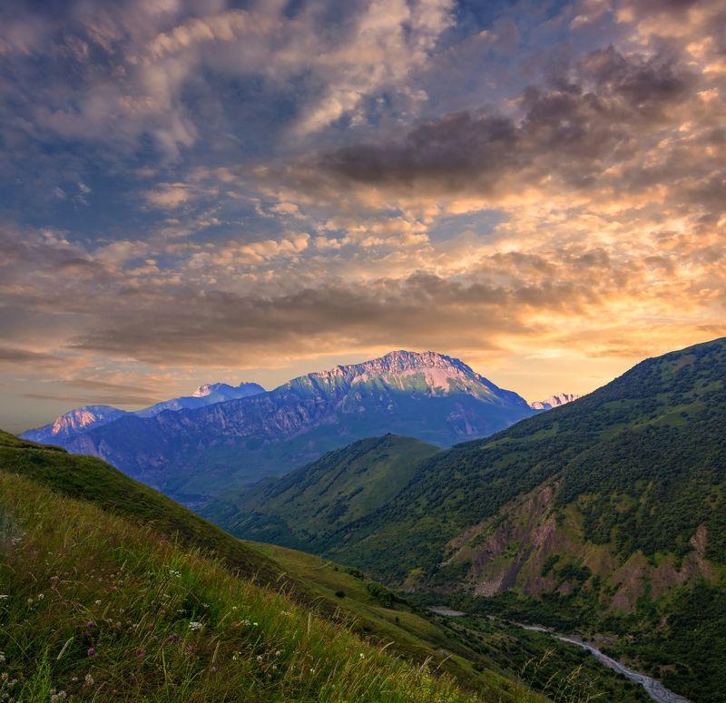 закат, горы,  кавказ пришел закат , нас красками балуя...photo preview