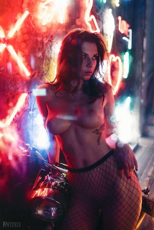 неон, студия, цветные филтры Cyberpunkphoto preview