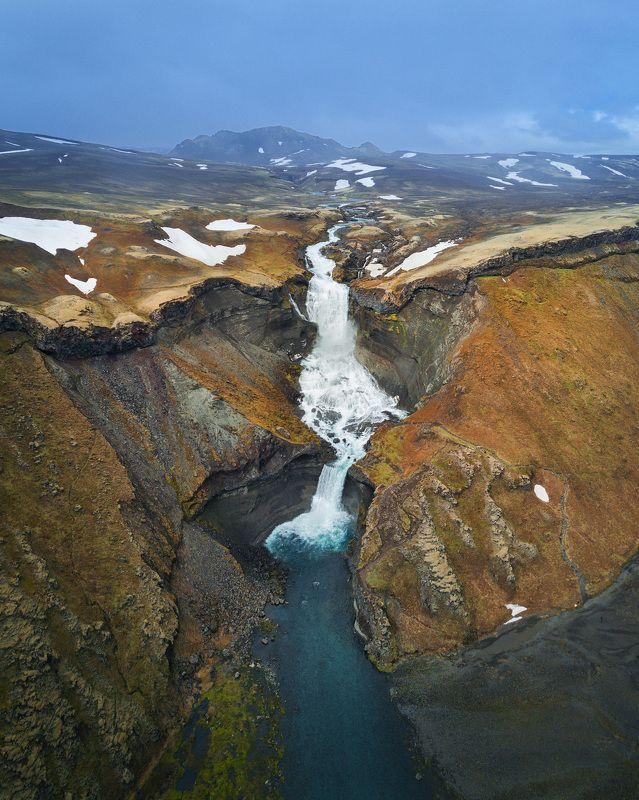 Ofærufoss - один из тысячи исландских водопадовphoto preview