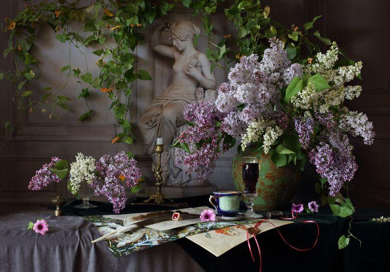 сирень, цветы, натюрморт, скульптура, девушка Натюрморт с сиренью и скульптуройphoto preview