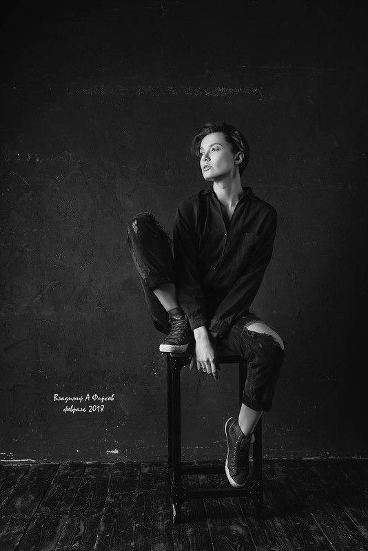 портрет, девушка, свет, тень, жанр Чучаphoto preview