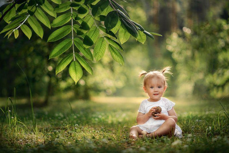 семья малыш дочка девочка дети photo preview