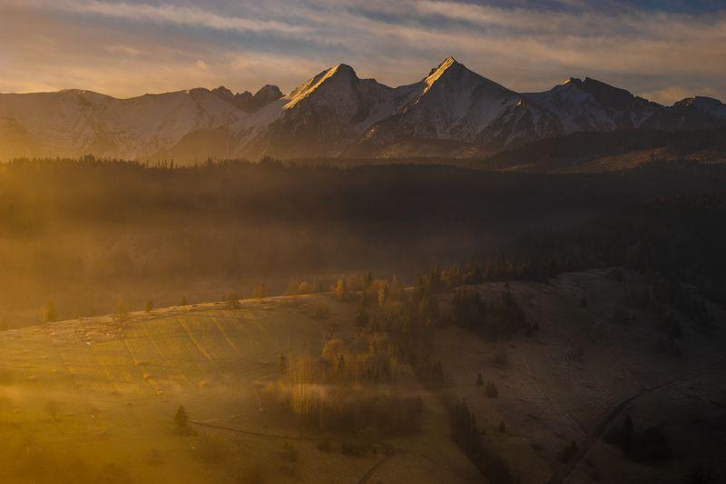 morning in the Tatrasphoto preview