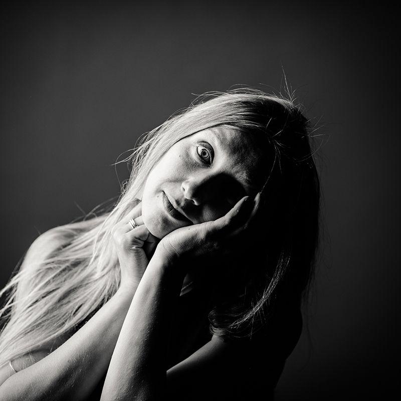 портрет, ч/б,  - В чем смысл жизни?photo preview