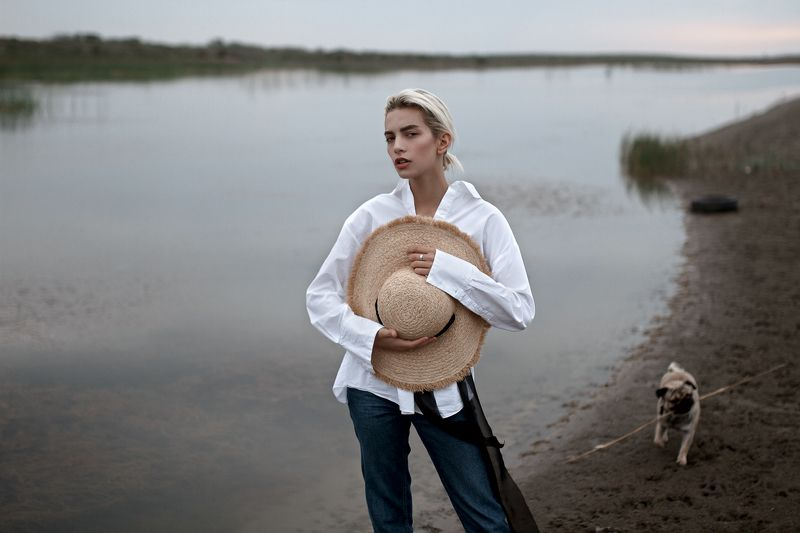 #girl #dog #water #green #tree Рисовое полеphoto preview