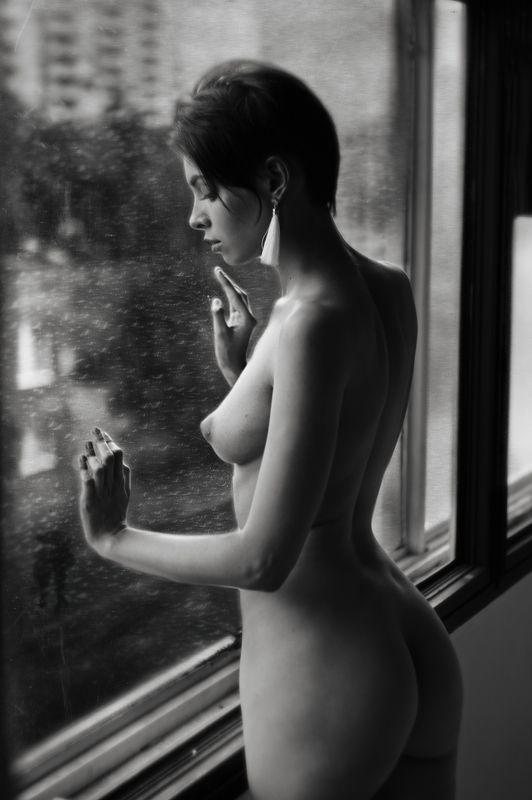 nude, fine art, monochrome, woman\\\'s portrait, nude portrait, black and white photography, b&w, art photography, staged photography, genre portrait photo preview
