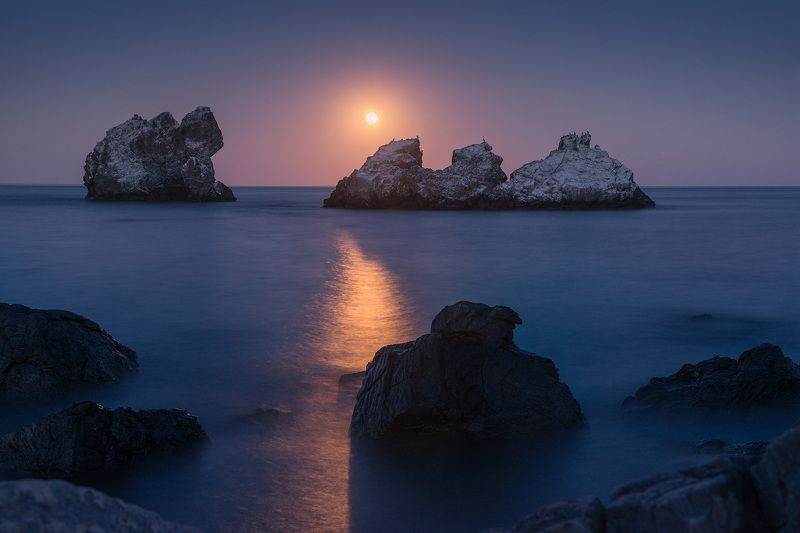 крым, ночь, звезды, астрофото, астрофотография, астрофототур, звездный пейзаж, ночная съемка, черное море, море, путешествия, фототур, уроки фото, утес Время чудесphoto preview