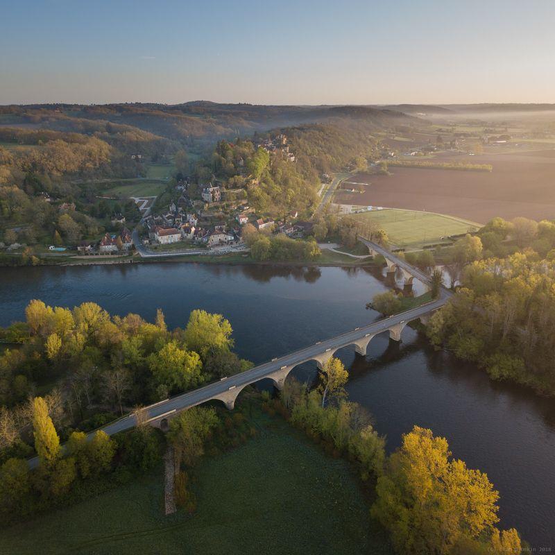 Утро у деревни Limeuilphoto preview