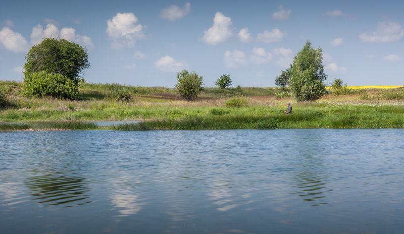 пейзаж,лето,небо,облака,река,утро, рыбак,россия,подмосковье  На рыбалке по утру!photo preview